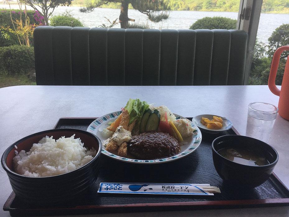 長沢ガーデンのレストラン1
