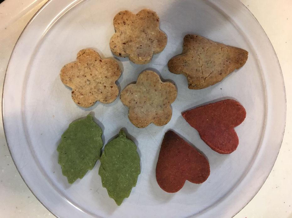 色とりどりのクッキー クリスマス 佐賀 ほっこり本の会 ホームページ