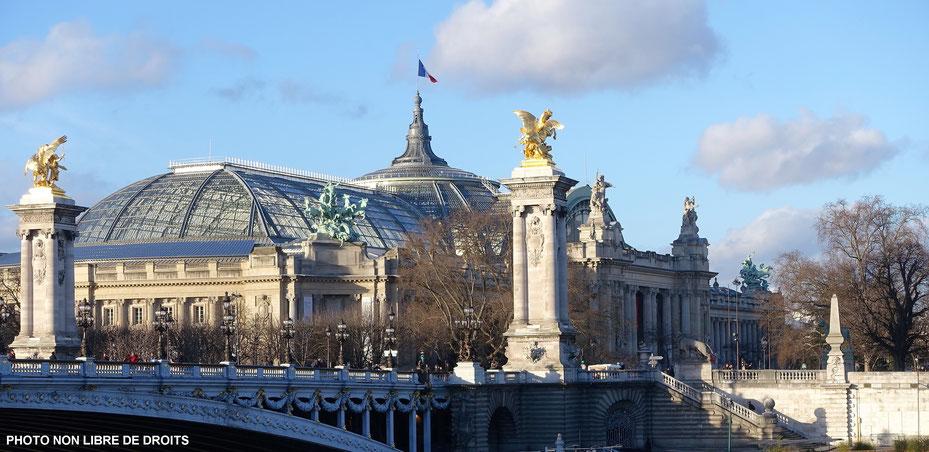 Le Grand Palais et le pont Alexandre III, photo non libre de droits