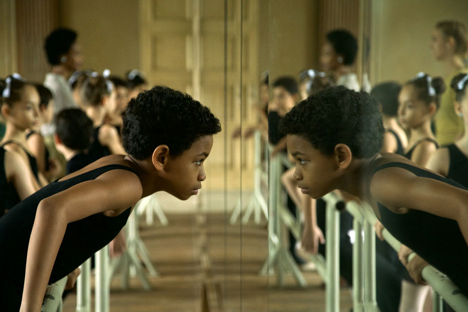 Geht nur widerwillig zum Ballettunterricht Carlos (Edilson Manuel Olbera Núñez). © Piffl Medien