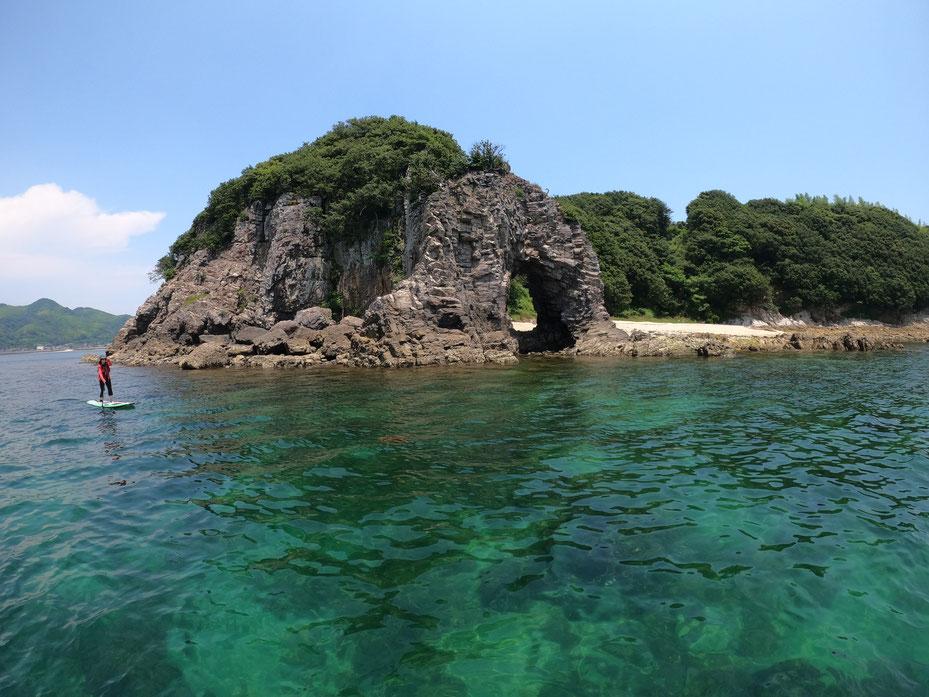 巌門周辺の海でSUP