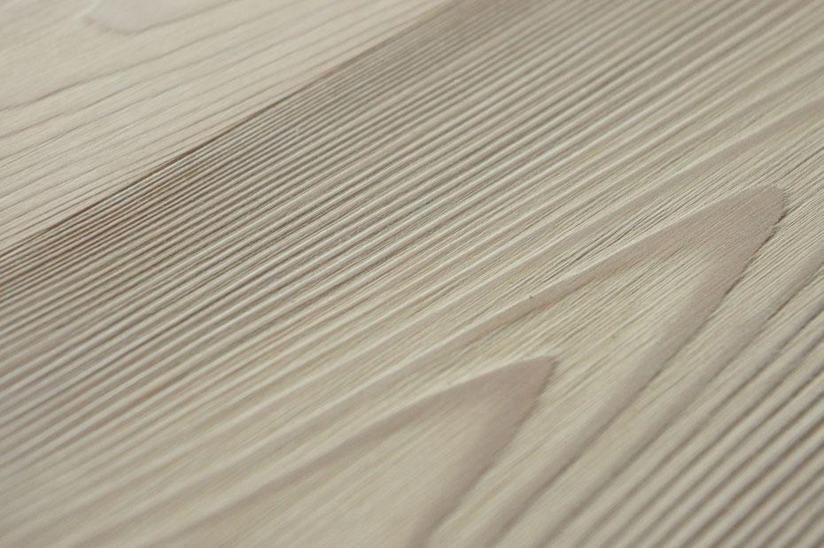 """Parquet in larice trattato con olio """"Resistente"""" Solas. Finiture naturali legno."""