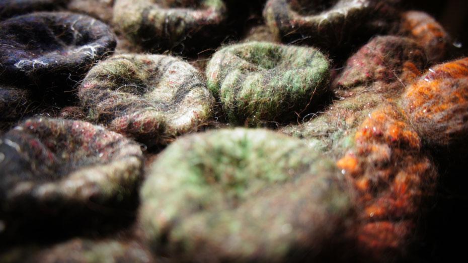 Sculpture en laine feutrée à l'eau savonneuse - Feutriere Géraldine Mézange Oisille