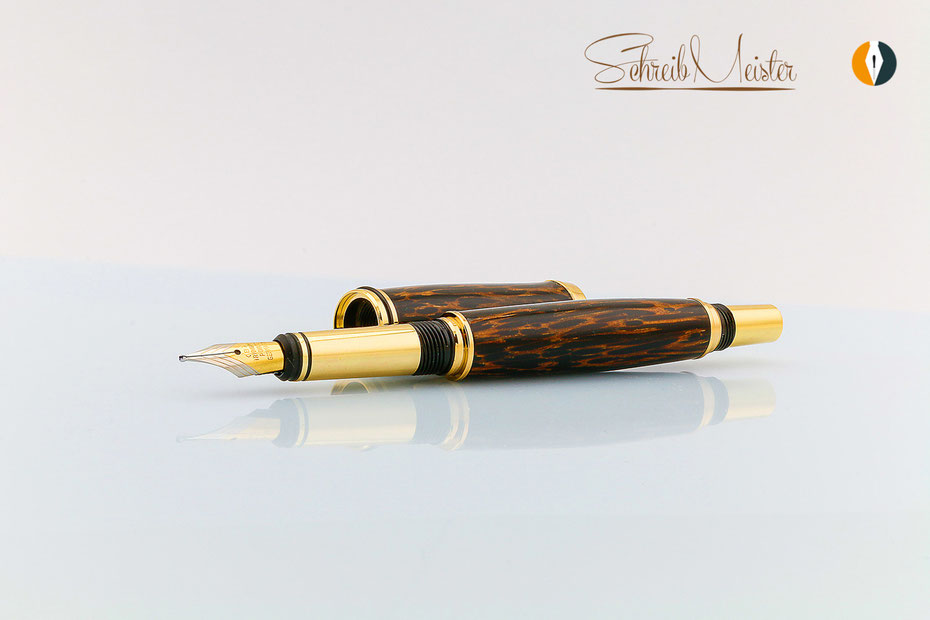 handgemachter Füller aus Holz