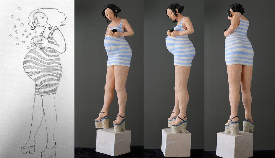 J'ai vu une jolie jeune femme enceinte dans la rue, un portable posé sur son ventre rond, vite un croquis et quelques mois plus tard..
