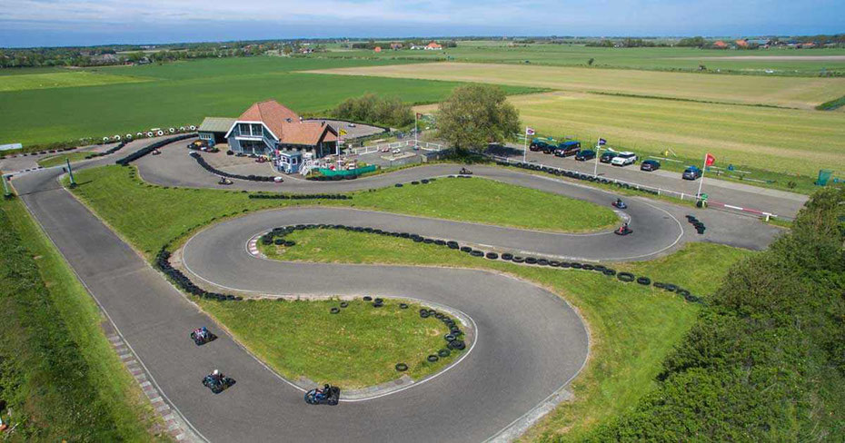 """<img src=""""image.jpg"""" alt=""""Circuitpark van """"Karting Texel"""" bij Den Burg op Texel"""">"""