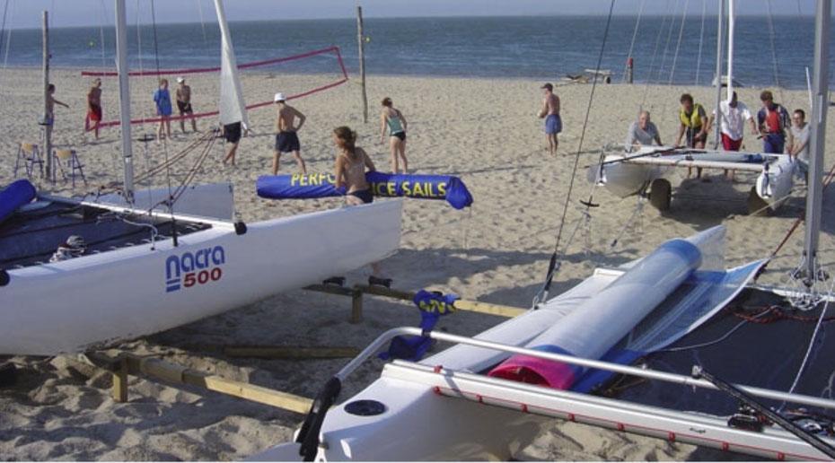 """<img src=""""image.jpg"""" alt=""""Catamaran zeilschool """"De Eilander"""" ten noorden van de Cocksdorp op Texel"""">"""