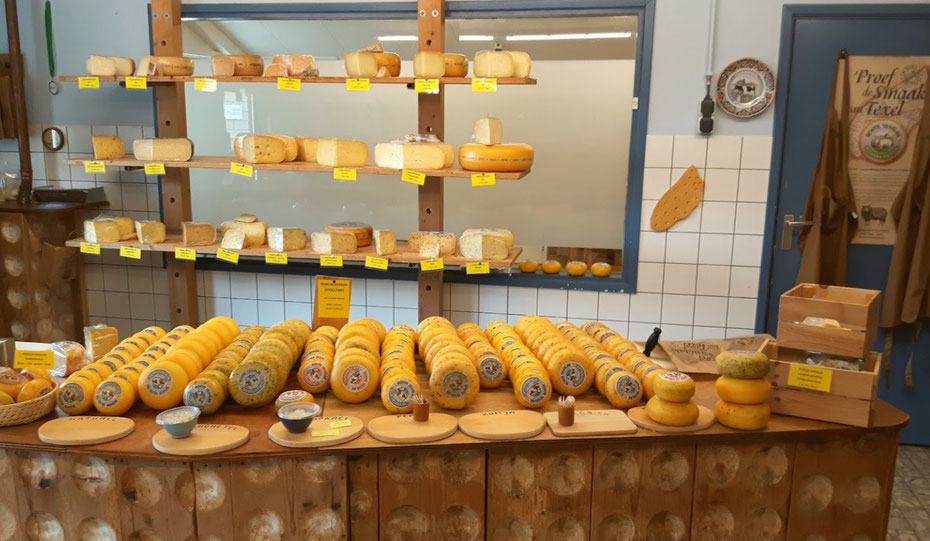 "<img src=""image.jpg"" alt=""Texelse kaasjes van de boerderijwinkel Wezenspyk op Texel"">"