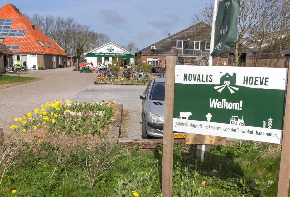 """<img src=""""image.jpg"""" alt=""""De Novalishoeve bij Den Hoorn op Texel"""">"""