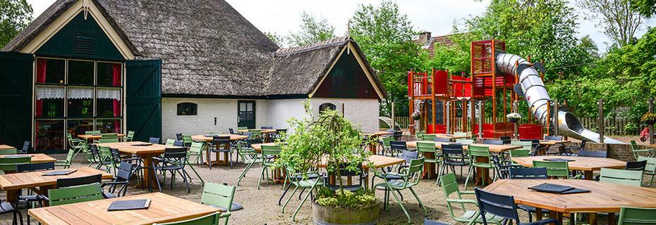 """<img src=""""image.png"""" alt=""""Boerderijrestaurant """"Catharinahoeve"""" met veel Texelse specialiteiten op de uitgebreide menukaart"""">"""