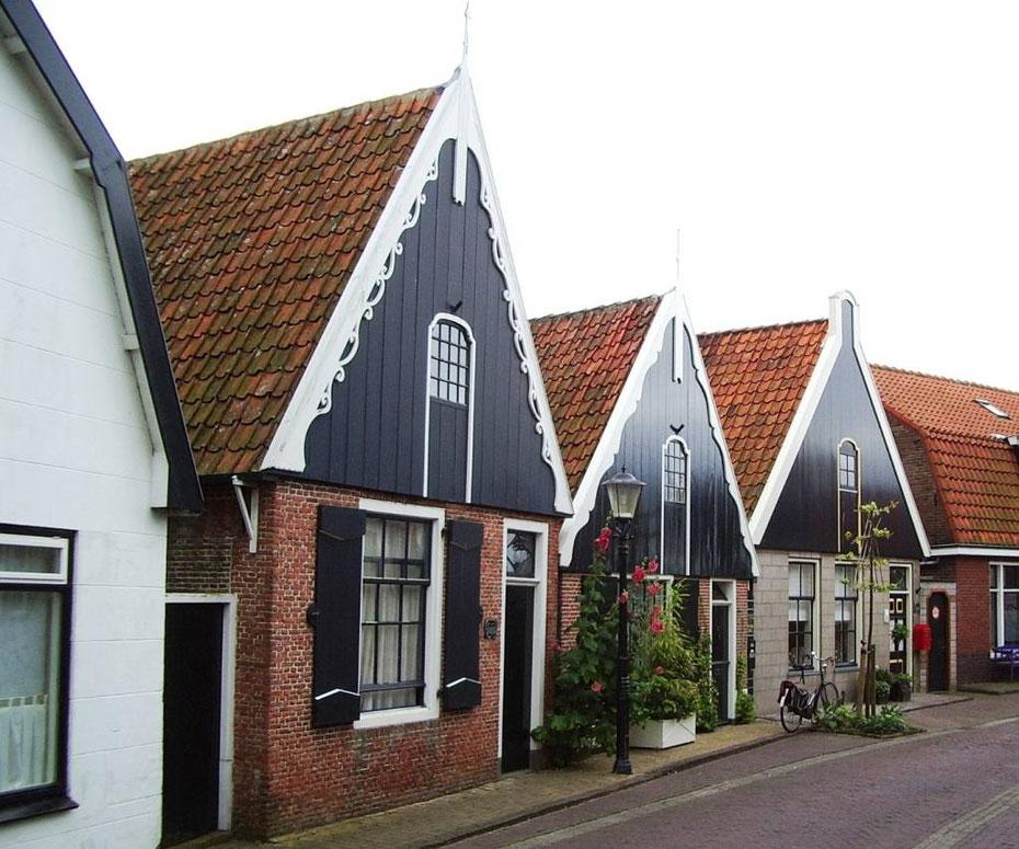 "<img src=""image.jpg"" alt=""Walvisvaarders Huisje in Den Hoorn op Texel"">"