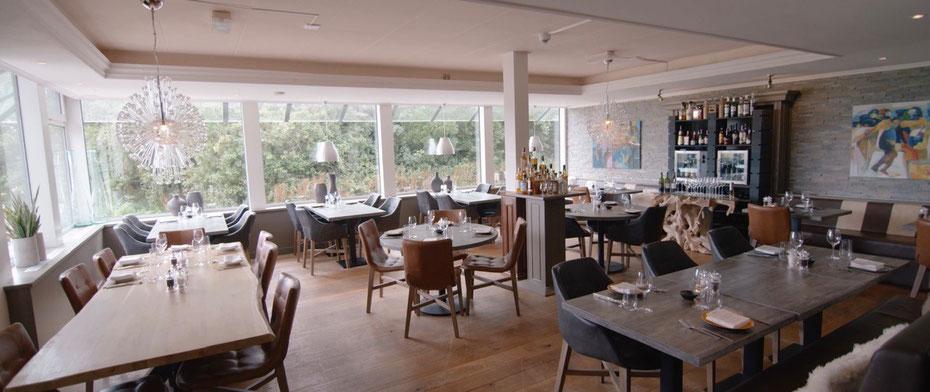 """<img src=""""image.jpg"""" alt=""""Interieur van restaurant """"BOSQ"""" te Den Hoorn op Texel."""