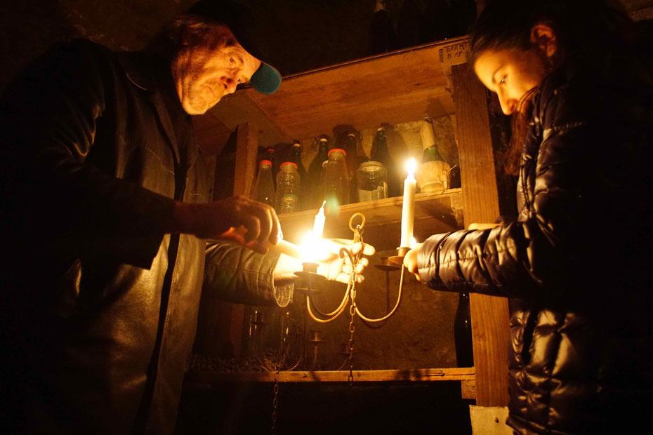 Preparazione dell'allestimento dell'Infernot Lasagna per l'esposizione temporanea-dicembre 2014 Vignale Monferrato
