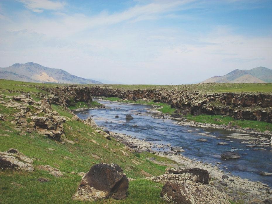 bigousteppes mongolie route chute rivière
