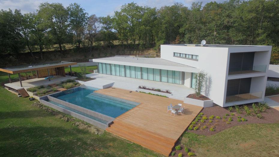 Architectes et constructeur de maisons individuelles drone sud toulouse for Architecte constructeur