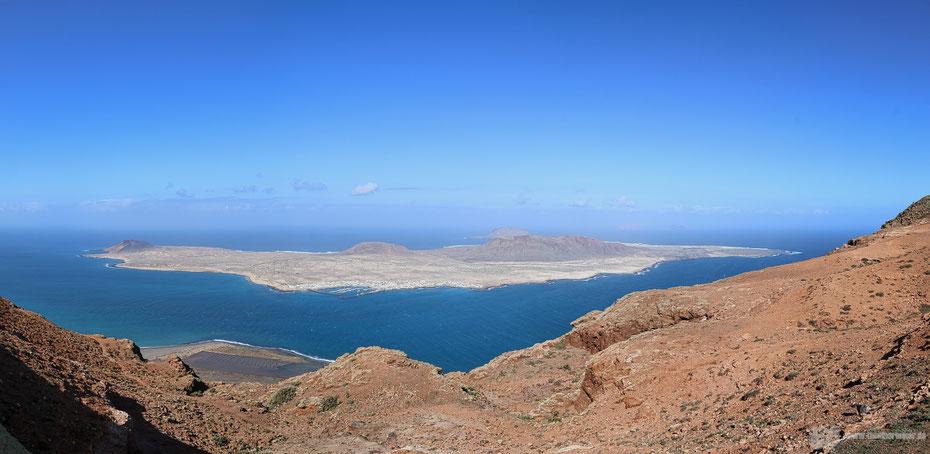 phantastische Aussicht auf die Insel La Graciosa