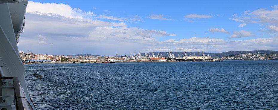 Panorama von Ferroll beim Auslaufen