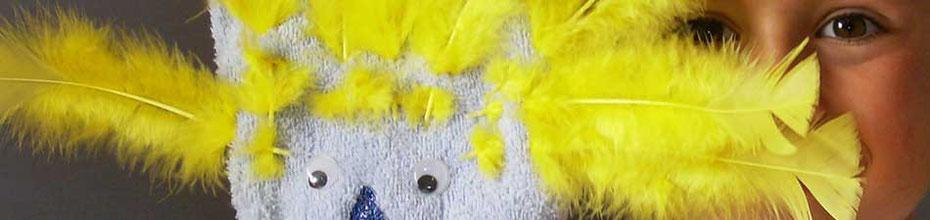 Création de marionettes à gants et à plumes à l'atelier de Cloé Perrotin de l'entreprise Illustr'&Vous