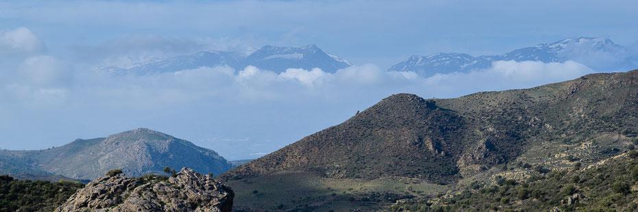 Blick von den Asteroussia-Bergen auf das Ida-Massiv mit Psiloritis (2.456m), Februar