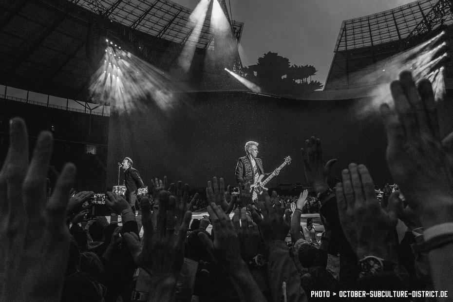 Bono und Adam Clayton - U2