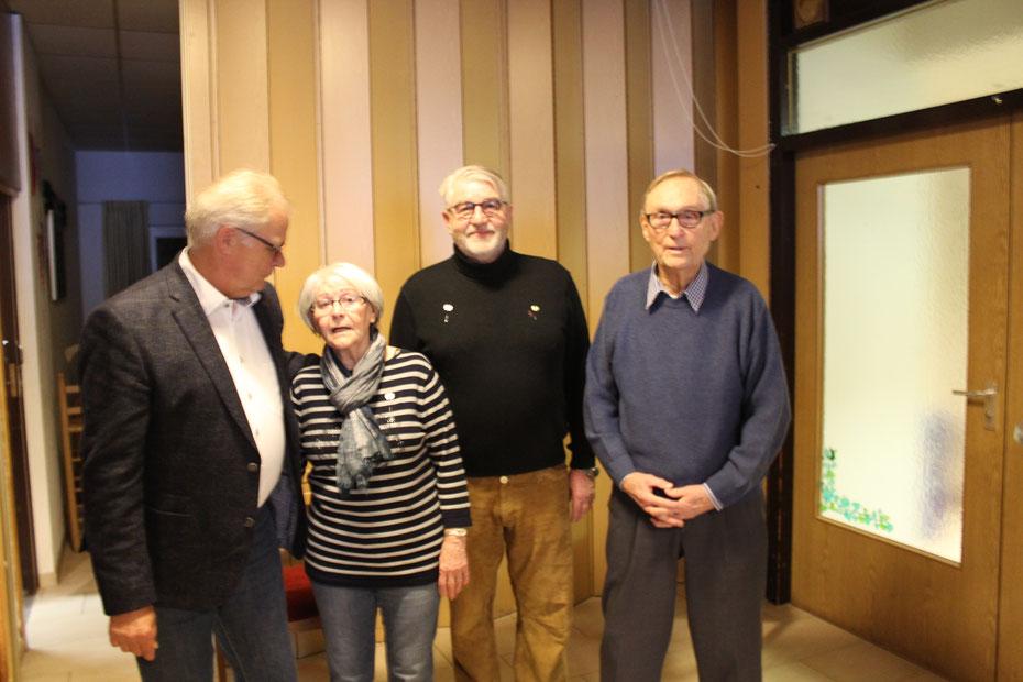 von links: Klaus-Dieter Hoffmann, Geschäftsführer SVA, Doris Siemensmeyer, Reinhard Winkler und Hanspeter Becker