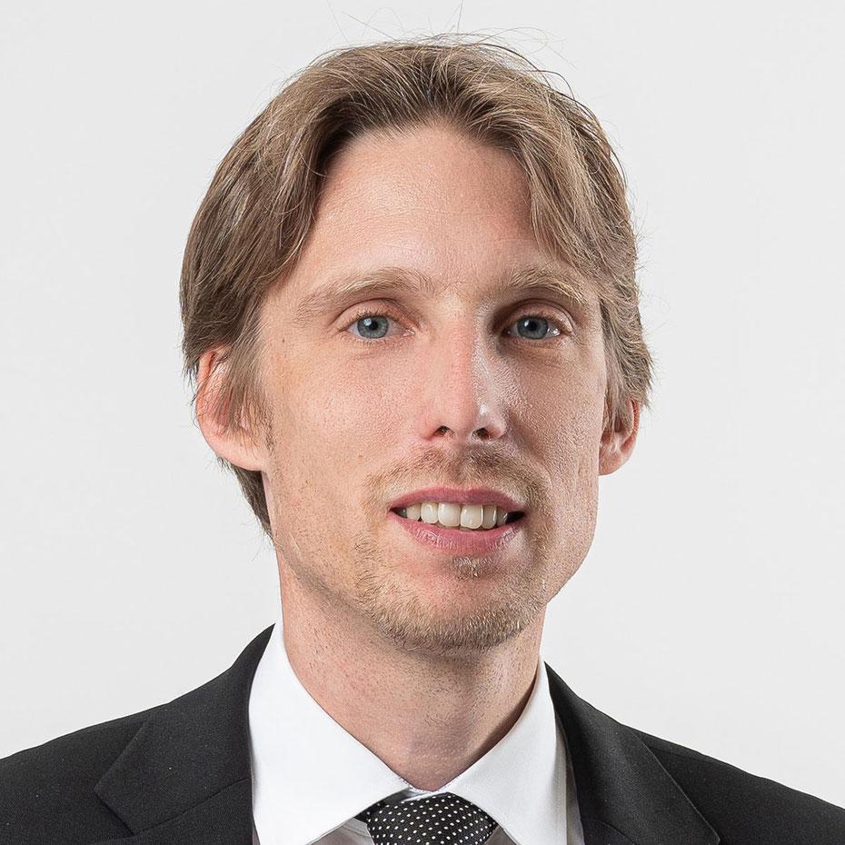 Dr. Roger König