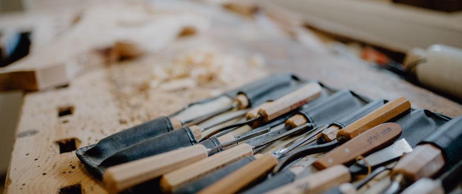 Von der Planung bis zu Gestaltung. Am liebsten Holz, aber auch Glas, Metall, Kunststoff. Allround Handwerk