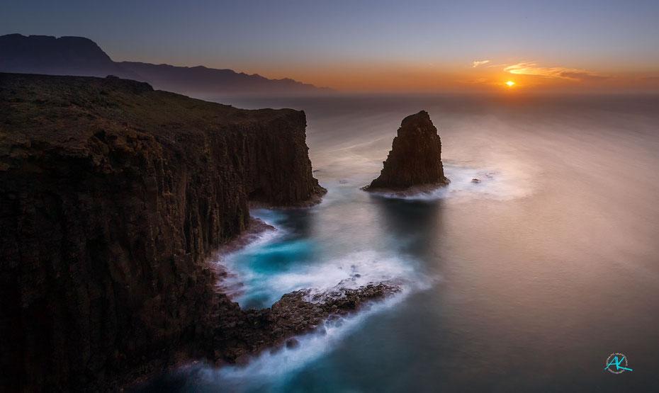 Die rauhe Küste von Sardina del Norte, Gran Canaria  1Dx & 17-40L & Haida 100mm ND64 & GND 0,9 soft 17mm Blende 16 30s. ISO 100