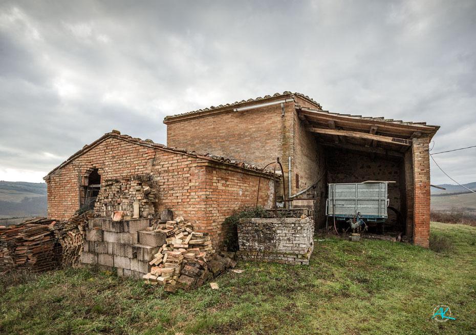 Podere Cancelli, Haupthaus von Norden, im Vordergrund das künftige Office/ die Rezeption