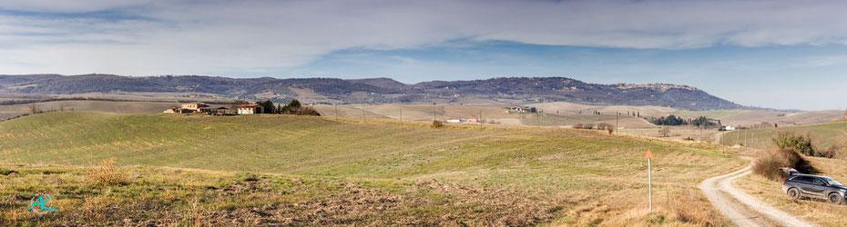 Podere Cancelli - ein Panorama, das den kompletten Hügel bzw. dessen östliche Hälfte zeigt