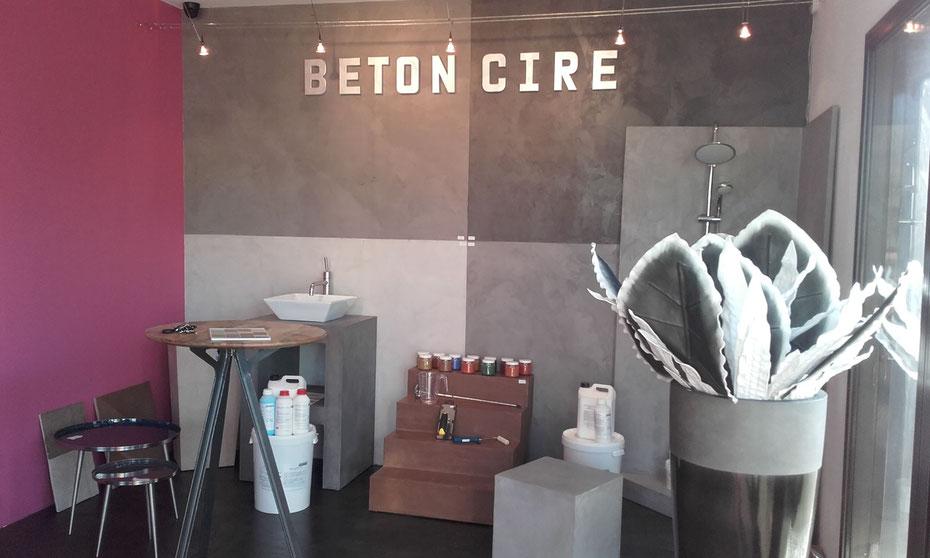 Show room Béton Création au sein de la boutique Idego spécialisée dans l'ameublement et la décoration à Chateaurenard dans le 13