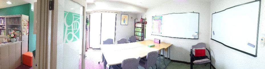 ひろば語学院の教室風景