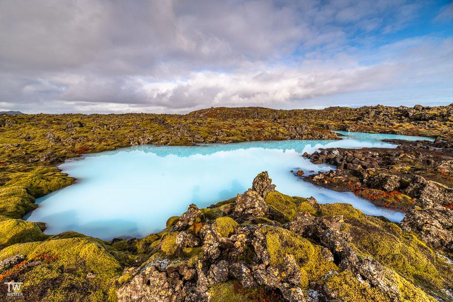 Zum Abschluss der Reise ein Abstecher zu den Lavafeldern an der blauen Lagune, deren Farben selbst im Winter beachtlich sind, zumindest wenn das Licht stimmt… (B1590)