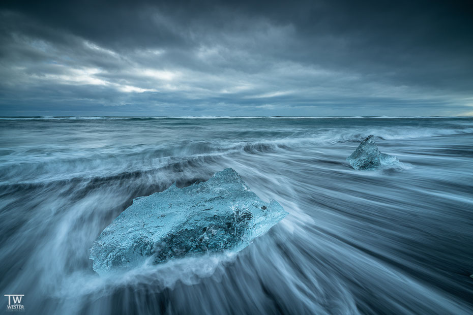 …doch dieses ist und bleibt immernoch mit Abstand mein Favorit Nummer 1 – der Diamond Beach. Hier mal dramatischen Bedingungen…(B1601)