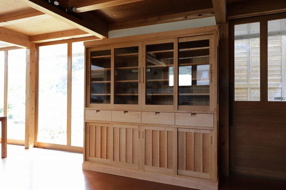 食器棚 無垢材 山桜の食器棚
