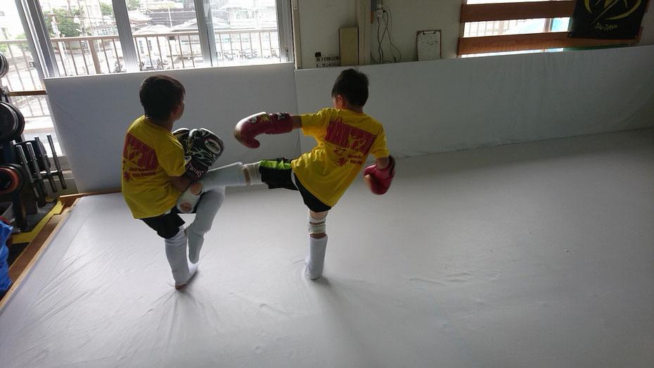 小学校1年生、奈良市、キックボクシングteamYAMATO奈良新大宮支部、郡山、京都からも近いです