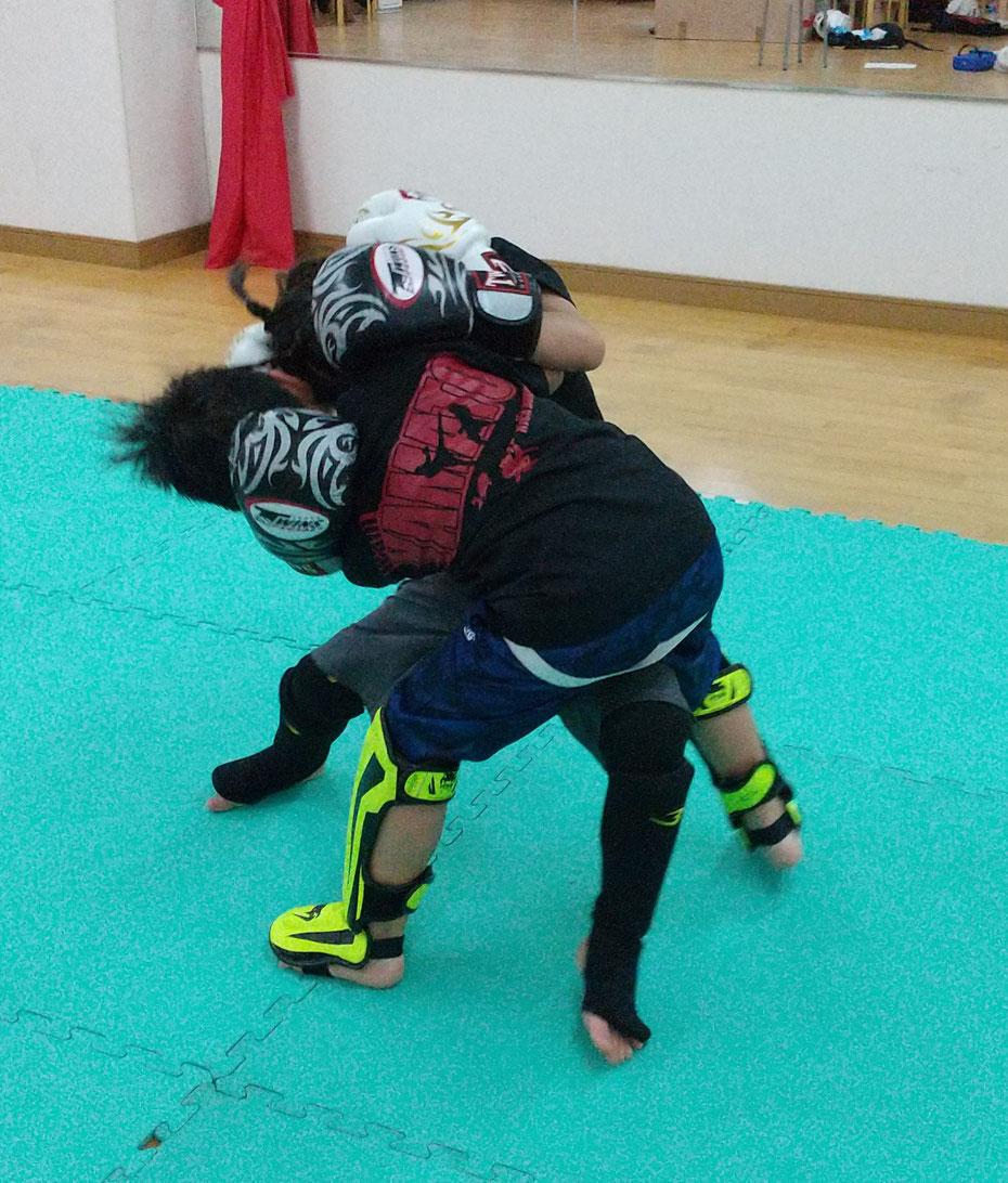 teamYAMATO奈良北支部【西大寺】シャドー。奈良市、生駒市、京都からキックボクシングの練習に来てます。
