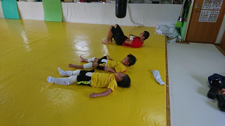 格闘技のキックボクシングはダイエットと基礎体力増強に適してます。奈良で格闘技するならteamYAMATO奈良新大宮支部です。