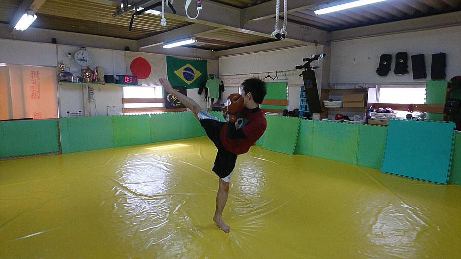 奈良市のteamYAMATO奈良新大宮支部にキックボクシングの体験練習に来られました。
