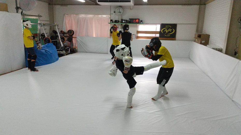 ダイエット、健康、運動、スポーツ、体力、キックボクシングは最適です。土曜の朝はteamYAMATO奈良北支部【新大宮】