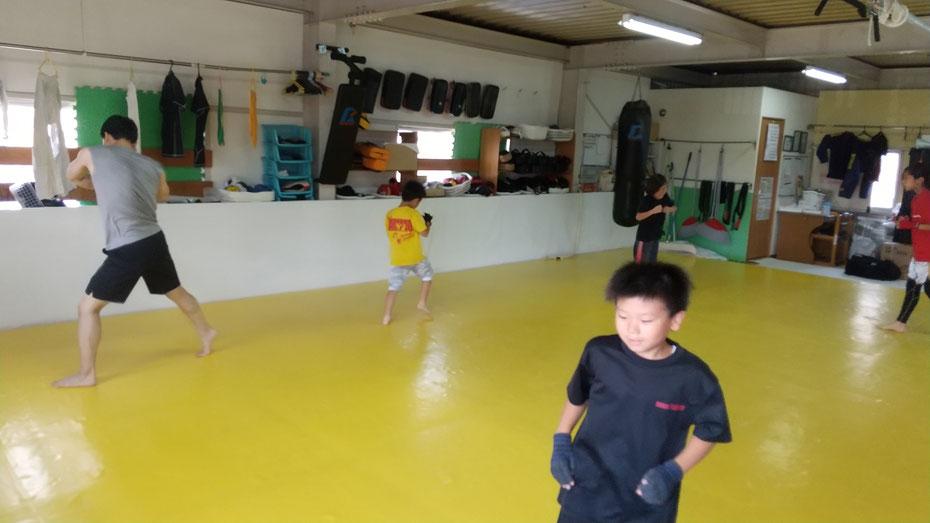 奈良県奈良市のキックボクシングteamYAMATO奈良北支部では空手、カラテ経験者が多数います。西大寺教室開校