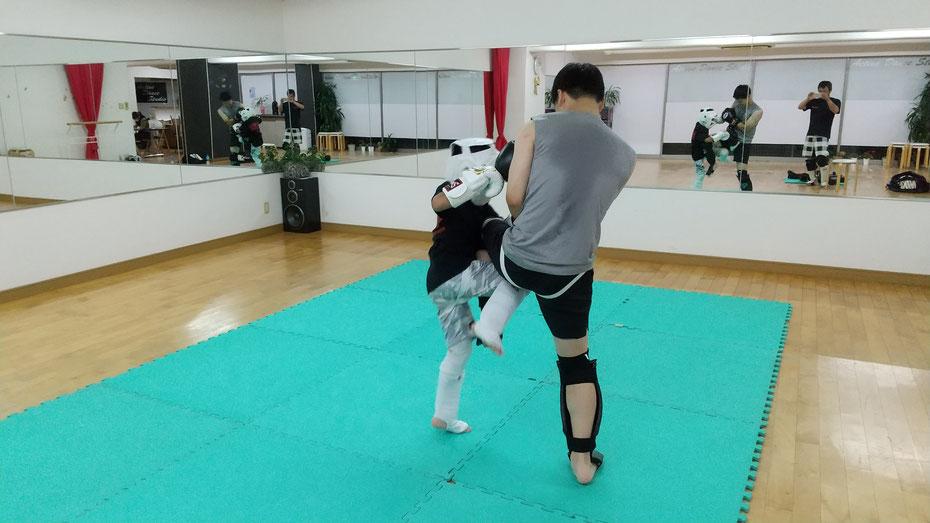 teamYAMATO奈良北支部【西大寺】、teamYAMATO奈良北支部【新大宮】ともにキックボクシングの練習できます。