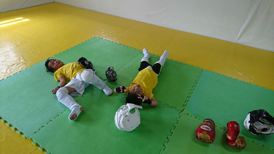 キックボクシングteamYAMATO奈良新大宮支部では小学生が頑張ってます。