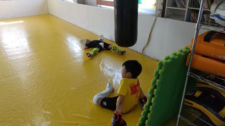 楽しいキックボクシングの練習をしましょう。teamYAMATO奈良北支部【新大宮】では、土曜日の朝からキックボクシングしてます。