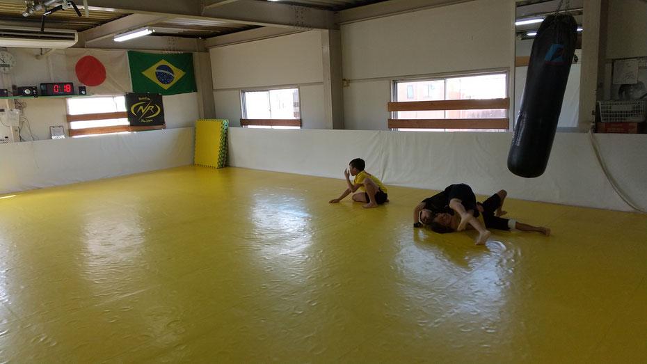 teamYAMATO奈良北支部【新大宮】はクーラー付きました。快適なジムでキックボクシングの練習をしています。