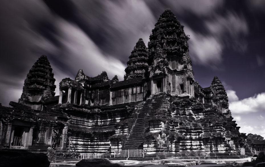 30 Sekunden Langzeitbelichtung mit Hilfe von Graufiltern. Trotz der vielen Touristen gelang mir dieses Bild im inneren der Tempelanlage.