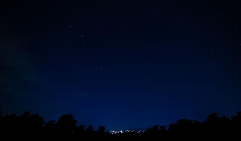 Neowise Part II - mit bloßem Auge war der Komet zu späterer Stunde (hier so gegen 23.15 Uhr) nicht auszumachen. Und das am Tag seiner nähesten Annäherung. Die Technik macht's möglich und plötzlich war Neowise auf dem Sensor! [23-07-2020]