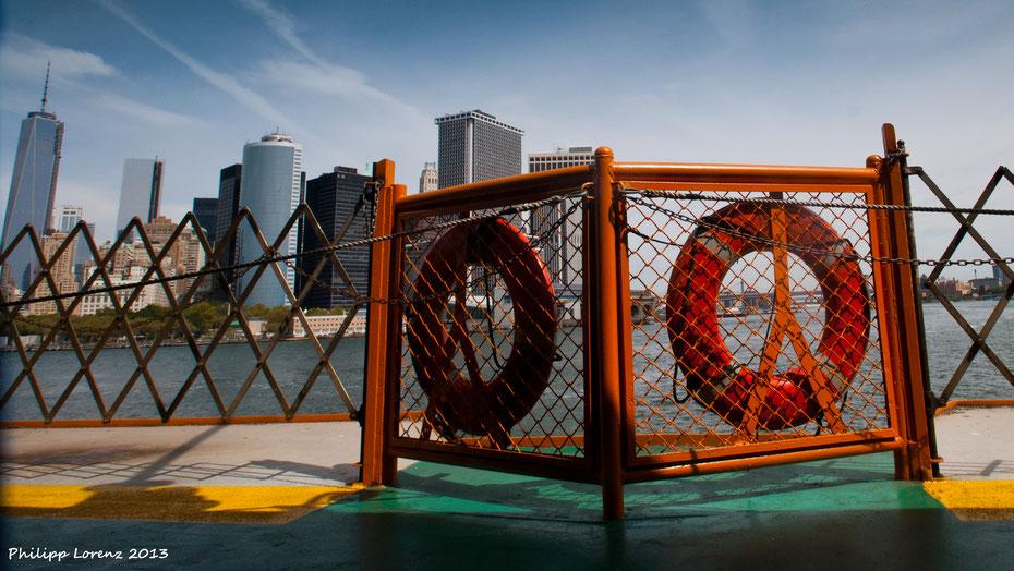Andere Ansichten auf New York City. Von der Fähre nach Staten Island gibt's den besten Gratis-Ausblick auf die Skyline.