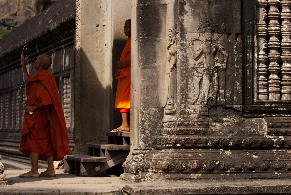 Auch die buddhistischen Mönche machen nicht vor dem technischen Fortschritt halt.