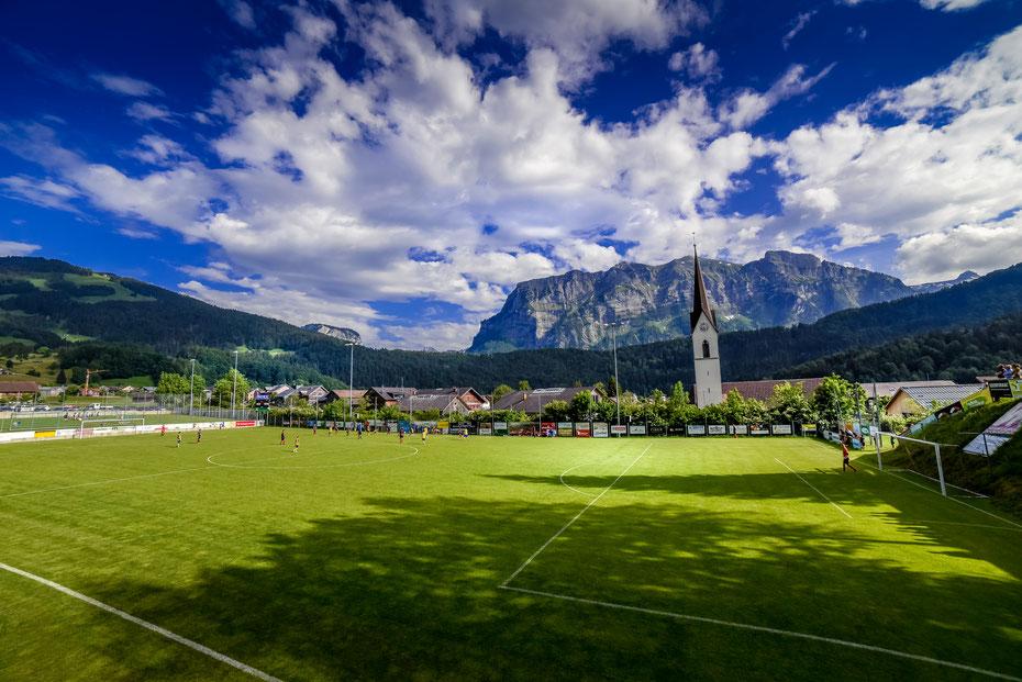 Definitiv eines der schönsten Stadien auf dem Planeten! Das Bergstadion Bizau im Bregenzer Wald ist immer einen Ausflug wert, nicht nur das Panorama ist einmalig, auch das Catering und die Gastfreundschaft sind erstklassig!